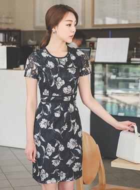 干花蕾丝连衣裙