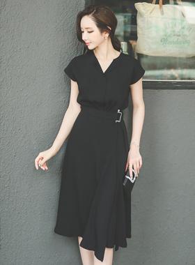龙珍珠皮带扣连衣裙
