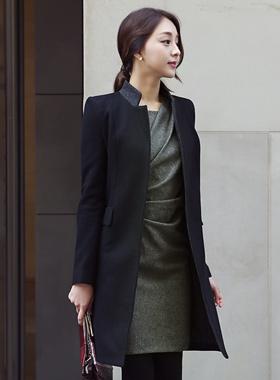 简单的配色方案羊毛呢子大衣