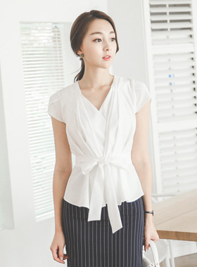奢华裙容积剪切女衬衫(安全带)