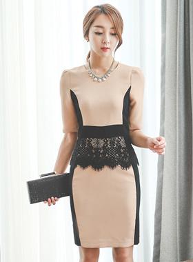 融合了蕾丝配色连衣裙