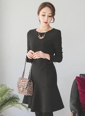 珍珠缝袖口竖起连衣裙