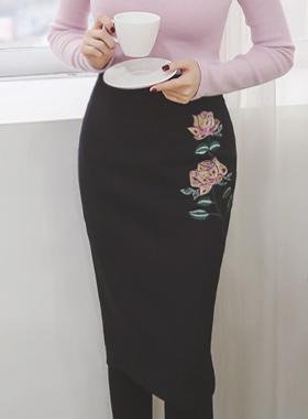玫瑰绣花铅笔羊毛裙子