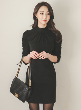 花蕾丝袖连衣裙