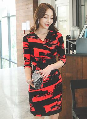 化妆刷剪一圈跨度连衣裙(长袖)