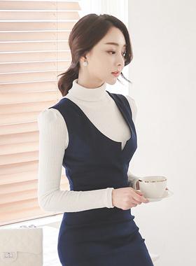 女人褶饰肩波拉针织衫