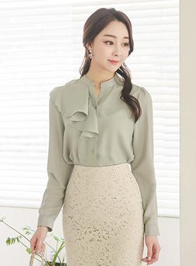 皱褶图案女衬衫
