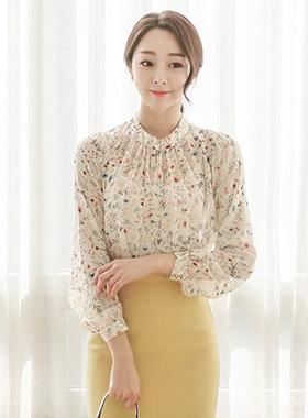 自然颈褶饰花女衬衫