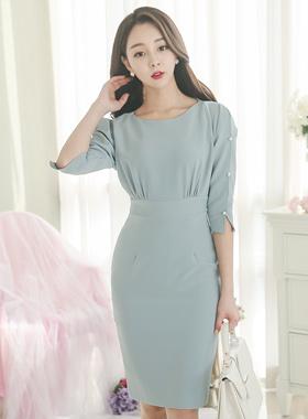 缝袖珍珠连衣裙