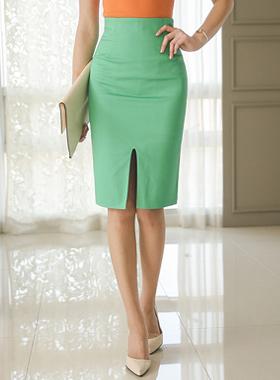 新鲜的深缝高裙子