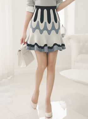 波荷叶边针织衫裙子