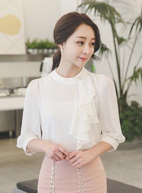 珍珠半颈部皱褶女衬衫