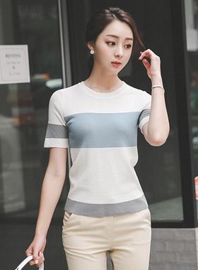 单色圆领针织衫