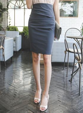 简单褶皱修身裙子