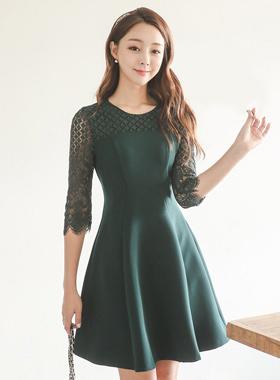 莫妮卡蕾丝波浪群/喇叭裙连衣裙