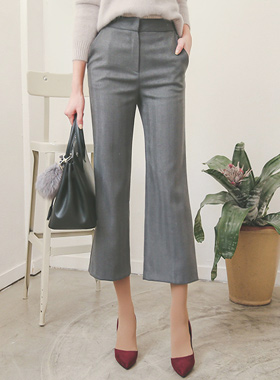 半宽的人字纹短裤