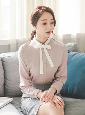 简单色带领带SET女衬衫
