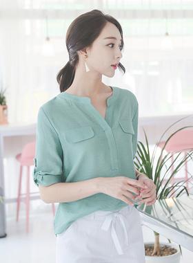 粉色的外兜女人衬衫