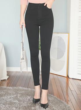 쫀쫀弹力黑紧身裤短裤