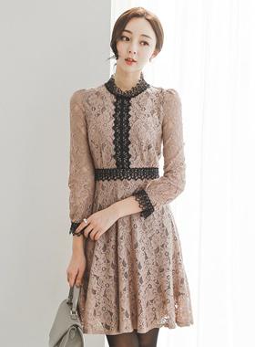 浪漫的斯蒂芬妮蕾丝连衣裙