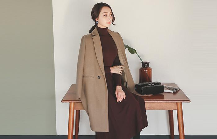 双口袋缝量身定制的西装领型羊毛大衣