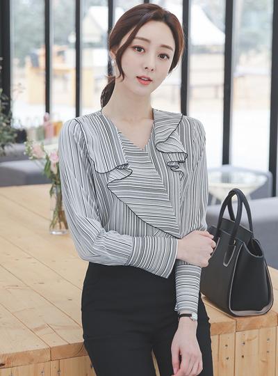 褶裥条纹袖口罩衫