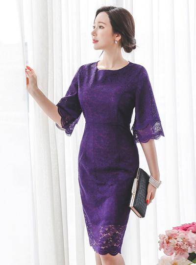 针织层褶皱袖蕾丝连衣裙
