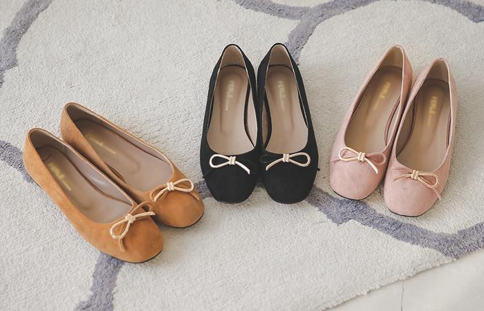 半丝带翻毛皮平底鞋