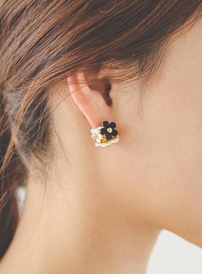 雏菊金耳环