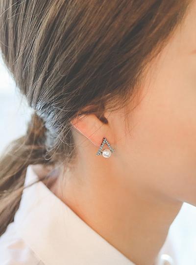 立方体珠三角点耳环