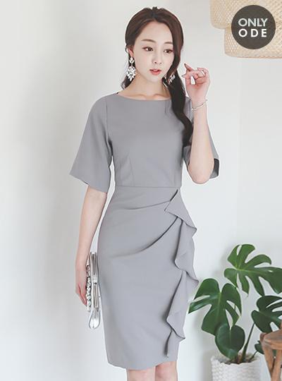 皱褶线修身连衣裙(短袖)