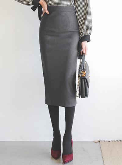 这款基本款Obi-high Midi半身裙