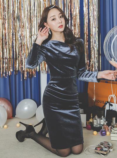 丝绒罩衫领垂褶衣衣裙