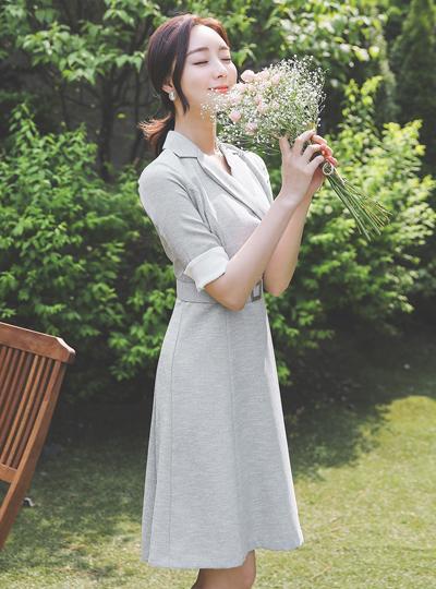 银色方形 腰带 领子 喇叭 连衣裙(半袖)