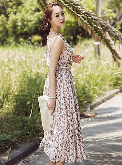 粉红海滩长款连衣裙