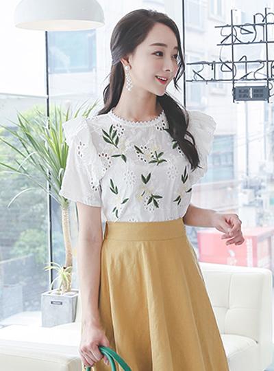 甜蜜刺绣小岛女人衬衫