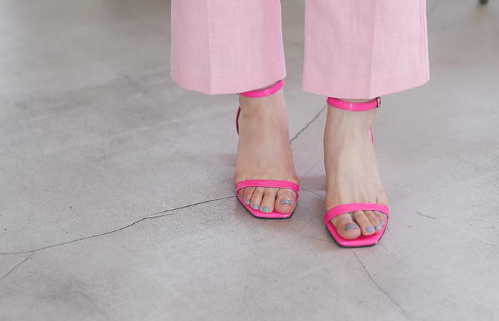 漆皮 基本 皮条/束带 厚底凉鞋