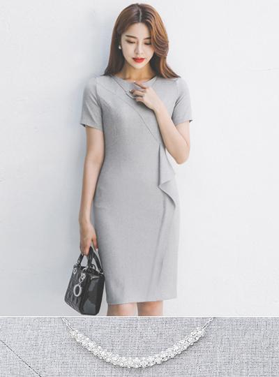 不规则 荷叶边线条 开叉 项链 弹力 连衣裙
