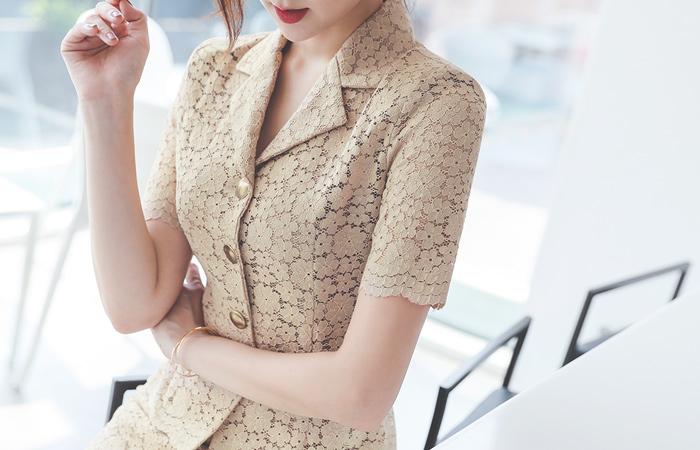 花纹 蕾丝 金色纽扣 夹克