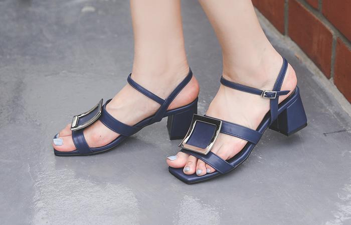 [模特穿37次]Silver 方形 皮条/束带 中跟凉鞋