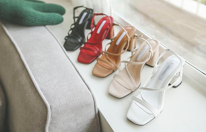 [模特穿37次]简单 皮条/束带 厚底鞋 凉鞋